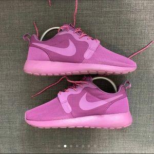 Women's Nike Roshe Run Hyperfuse Sz 7